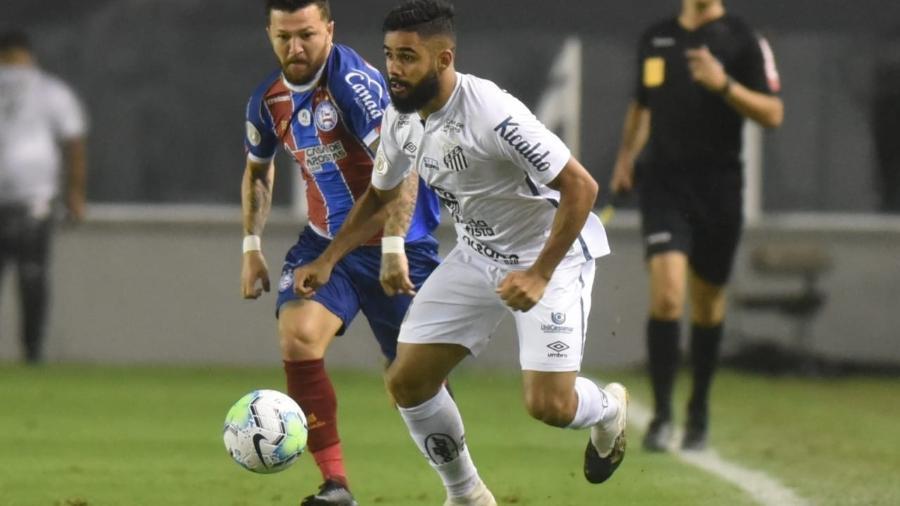 Felipe Jonatan atua pelo Santos contra o Bahia - Ivan Storti