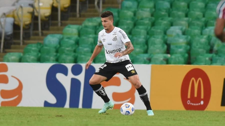 Danilo Boza no aquecimento pelo Santos  - Ivan Storti
