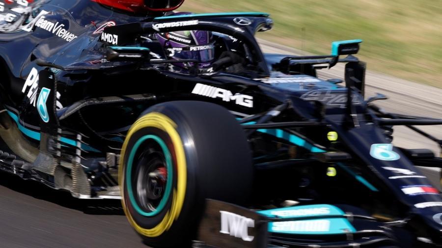 Hamilton durante o treino classificatório para o GP da Hungria - REUTERS/Florion Goga ORG XMIT: AI