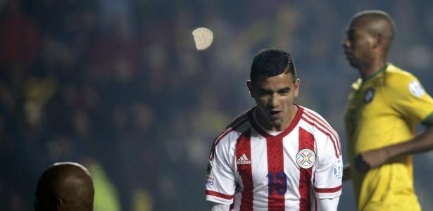 Derlis González, paraguaio que pertence ao Dínamo de Kiev, chegou nesta sexta-feira - Fernando Bizerra Jr. / EFE
