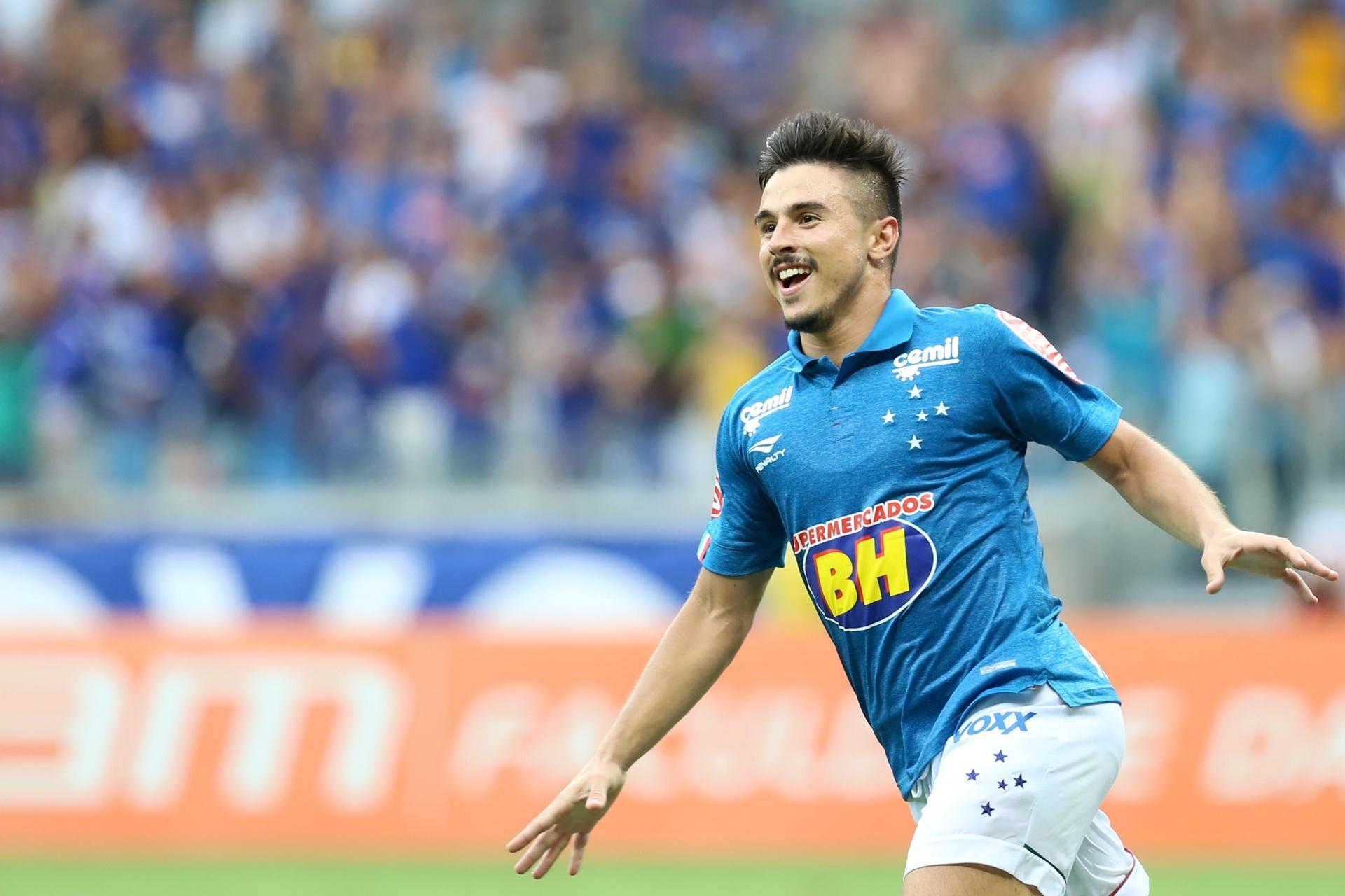 a3ecd18fea Atacante  ressurge  no Cruzeiro e sonha com 9 do Brasil