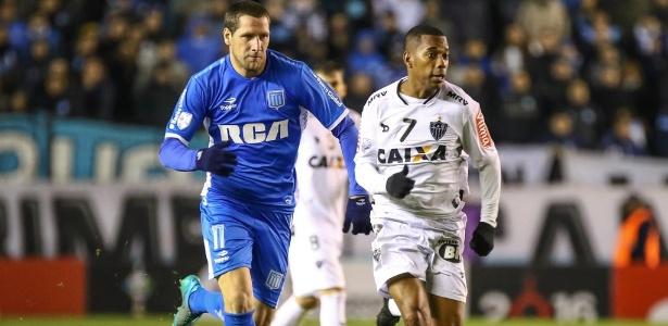 Robinho foi bastante acionando no empate sem gols do Atlético-MG com o Racing, pela Libertadores