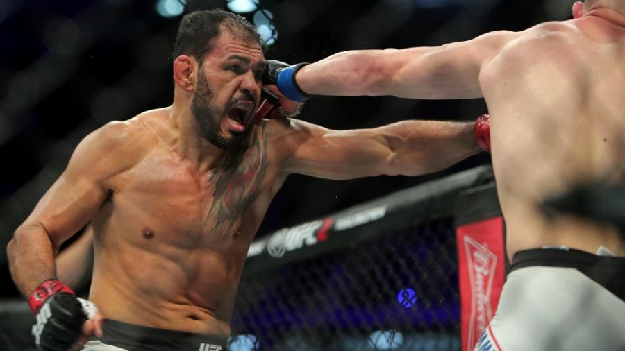 Minotouro durante luta contra Patrick Cummins no UFC 198 - Heuler Andrey/UOL Esporte
