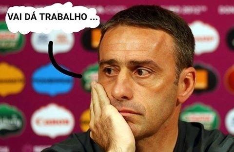 Cruzeiro perdeu do Coritiba por 1 a 0 na primeira rodada. Na imagem, o treinador que assumirá a equipe, Paulo Bento, lamenta