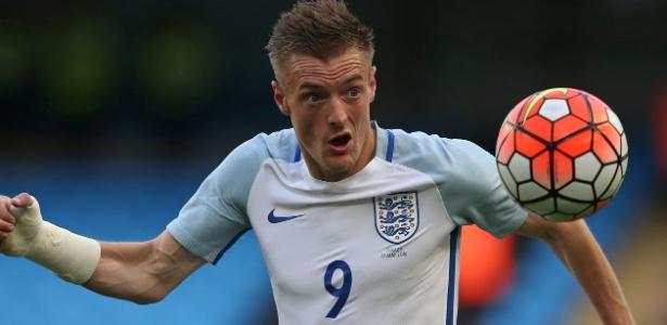 Atacante do Leicester está com a seleção inglesa e definirá contrato após a Euro