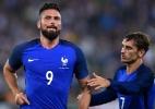 """França bate a Itália em jogo com estreia frustrada de """"árbitro de vídeo"""" - AFP PHOTO / ALBERTO PIZZOLI"""