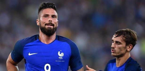 Giroud fez o segundo gol da França na partida