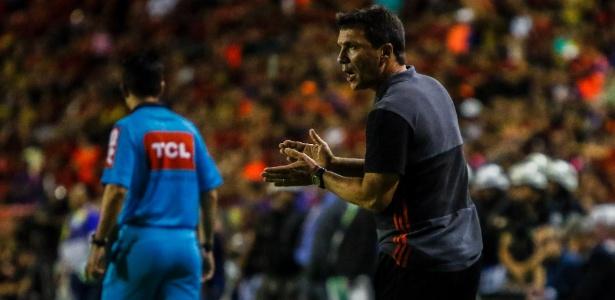 Zé Ricardo tem a responsabilidade de fazer o Flamengo voltar a jogar bem em 2017