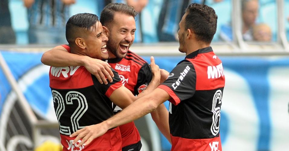 Everton Ribeiro comemora gol do Flamengo contra o Grêmio