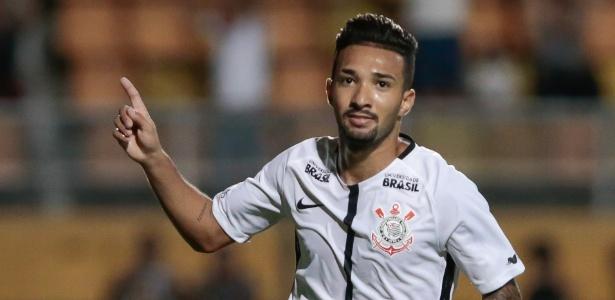 Clayson voltará a ficar à disposição para o primeiro jogo do Corinthans após a Copa do Mundo