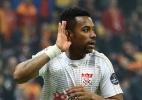 Líder do Campeonato Turco anuncia acordo para contratar Robinho