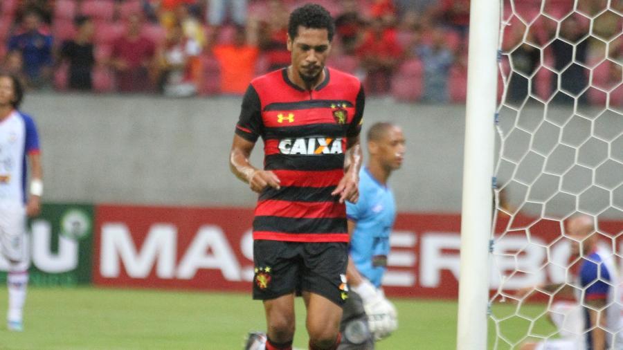 Hernane Brocador comemora gol do Sport sobre o Vitória-PE - Marcel Lisboa/AGIF