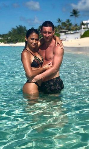 Lionel Messi com a mulher, Antonela Roccuzzo, no Caribe