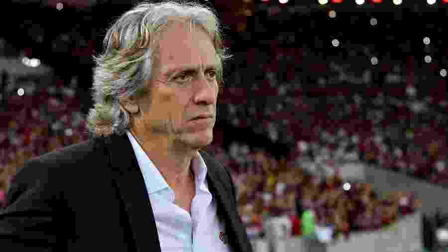 Jorge Jesus, técnico do Flamengo, fez elogios ao elenco rubro-negro após a vitória sobre a Chapecoense - Thiago Ribeiro/AGIF