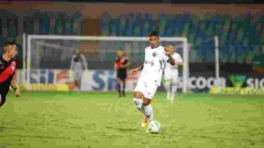 O atacante Sávio, de 16 anos, fez sua estreia pelo Atlético-MG na vitória sobre o Atlético-GO pelo Brasileirão - Pedro Souza/Clube Atlético Mineiro