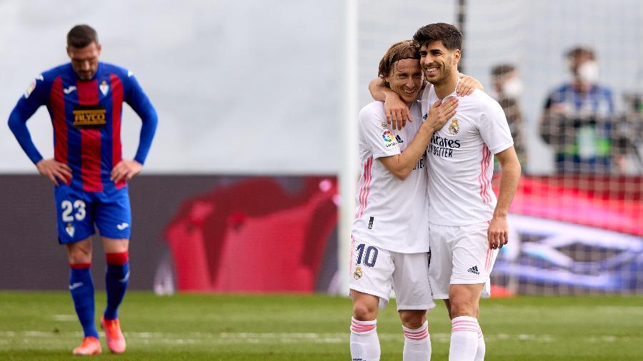 Asensio comemora após marcar gol do Real Madrid contra o Eibar - Angel Martinez/Getty Images