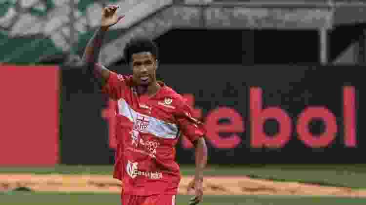 Ewandro, do CRB, comemora gol contra o Palmeiras - Marcello Zambrana/AGIF - Marcello Zambrana/AGIF