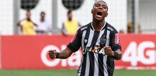 Robinho comemora gol pelo Atlético-MG contra a Tombense pelo Campeonato Mineiro