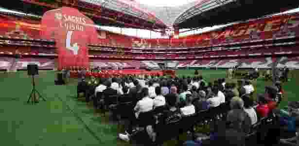 Evento de despedida de Luisão teve camisa gigante pendurada no Estádio da Luz - Divulgação/Benfica - Divulgação/Benfica