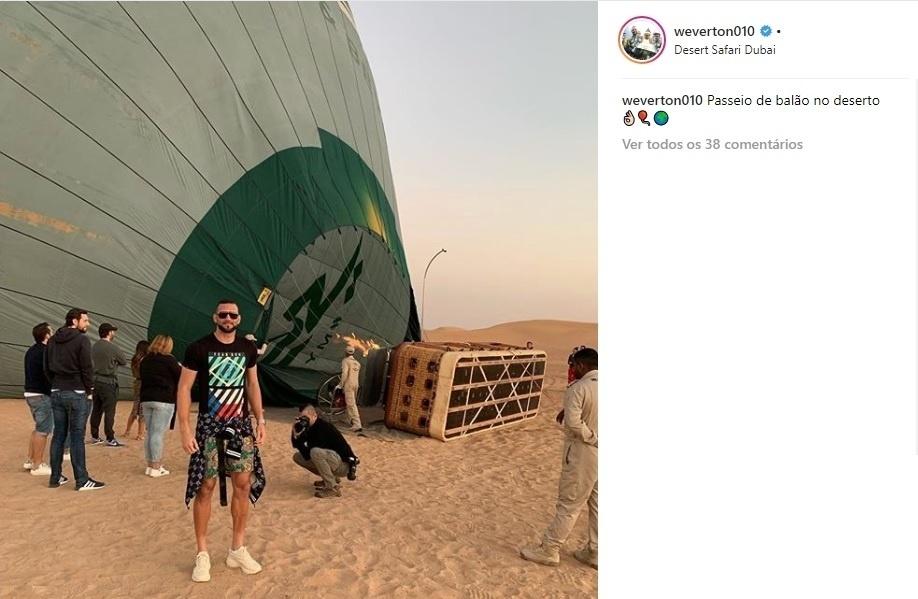 Goleiro Weverton, do Palmeiras, passa férias em Dubai