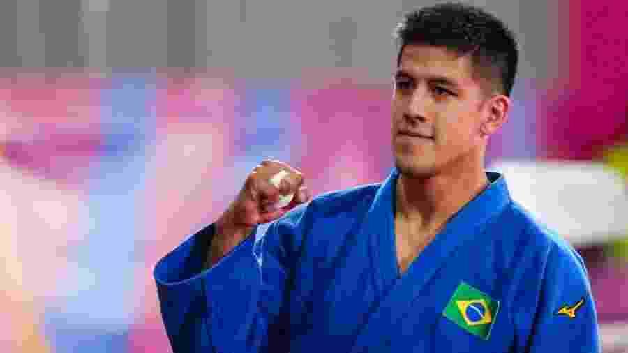 Eduardo Yudy comemora conquista do ouro na categoria meio médio do judô no Pan -  Abelardo Mendes Jr/ rededoesporte.gov.br
