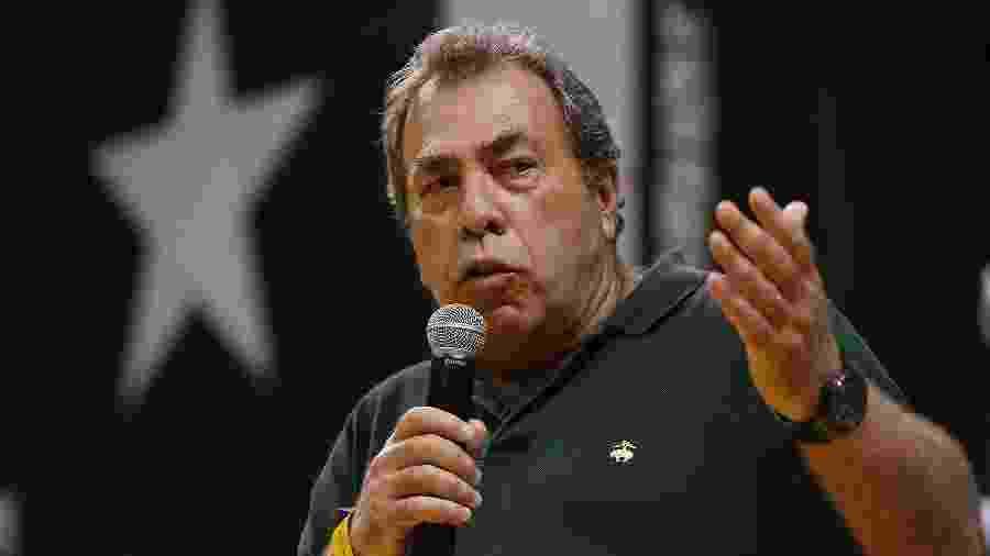Carlos Augusto Montenegro discursa em reunião no conselho deliberativo do Botafogo -  Vitor Silva/Botafogo