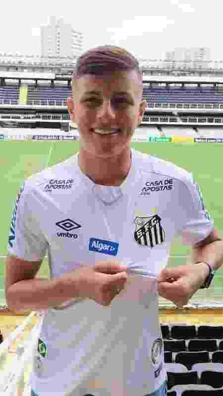 Matheus Moraes renovou contrato com o Santos - Reprodução - Reprodução