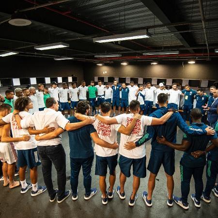 Jogadores do Flamengo no vestiário do Mané Garrincha após vitória sobre o Palmeiras - Alexandre Vidal/Flamengo