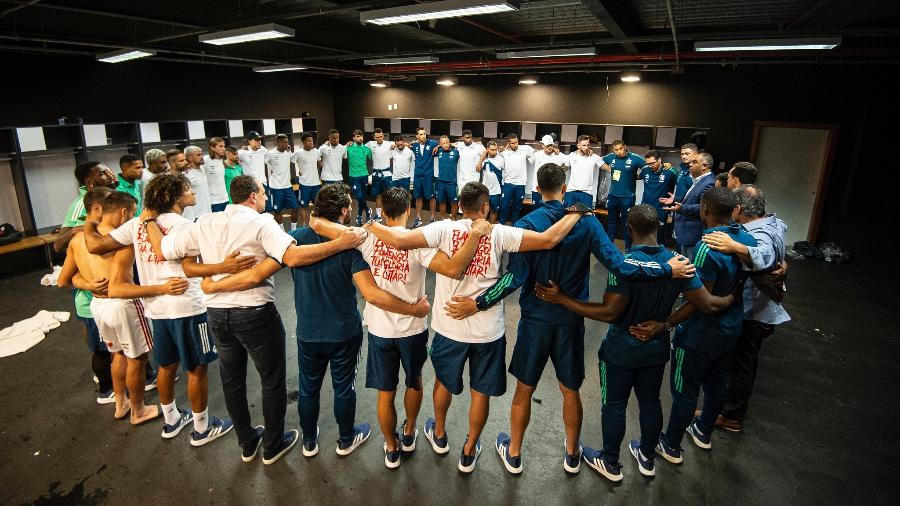 Saiba como jogadores reagiu no vestiário do Flamengo após vitória sobre o Inter