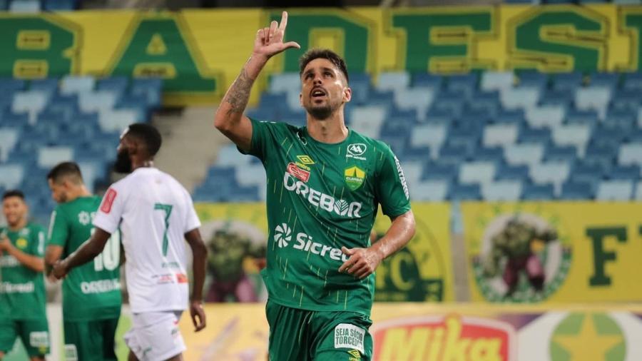 Rafael Gava, do Cuiabá, comemora gol: clube fechou com Globo por Brasileirão até 2024, mas reclamou de dinheiro do pay-per-view - Divulgação