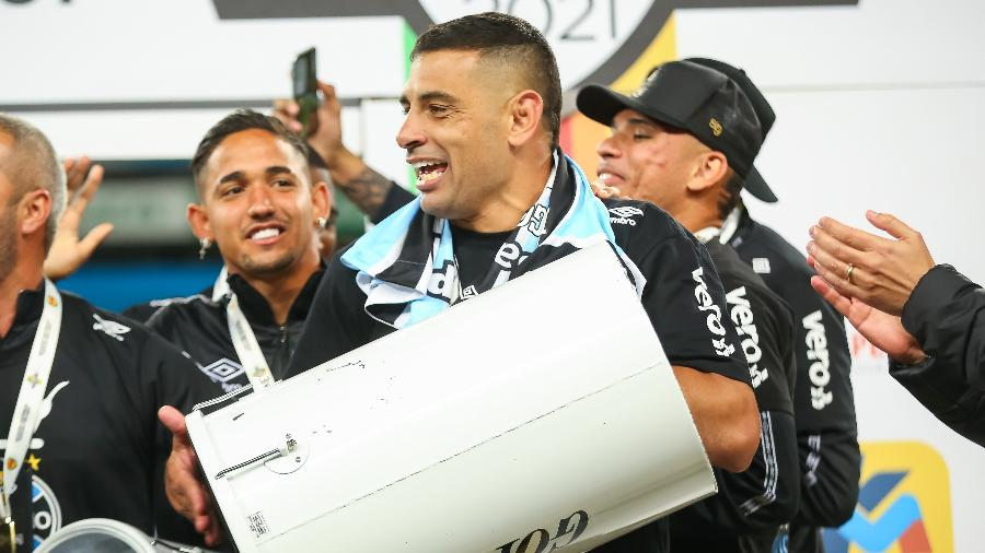 Diego Souza voltou ao Grêmio após testar negativo para covid-19 - Pedro H. Tesch/Pedro H. Tesch/AGIF