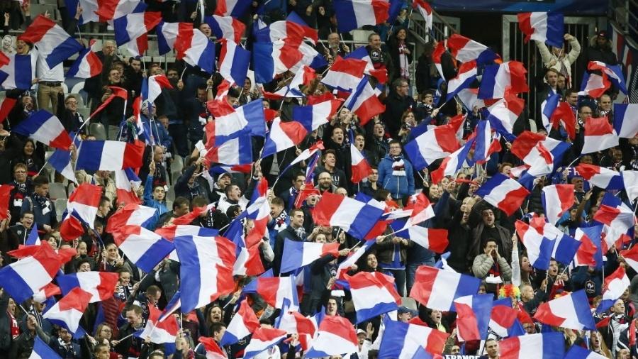 Proposta já foi aceita pelas federações de futebol e rúgbi do país - IAN LANGSDON / EFE