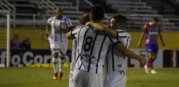 Rivaldo marcou e deu a vitória ao Bragantino, agora fora da zona de rebaixamento