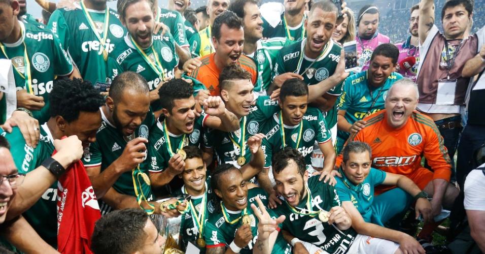 Palmeiras comemora o título do Brasileiro de 2016 após vitória sobre a Chapecoense
