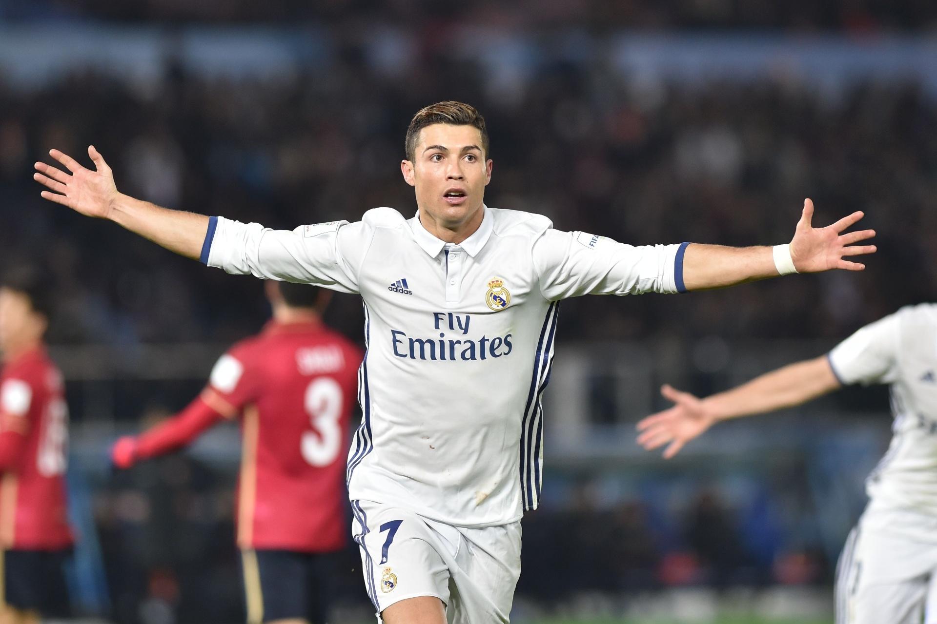 5acb452d81 CR7 é eleito o melhor goleador em competições internacionais  Jesus é 8º -  30 12 2016 - UOL Esporte