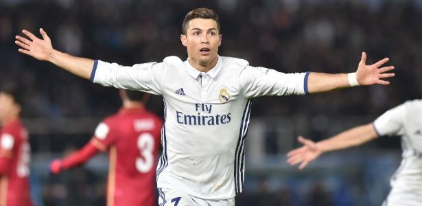 Cristiano Ronaldo fecha ano perfeito com mais um prêmio individual