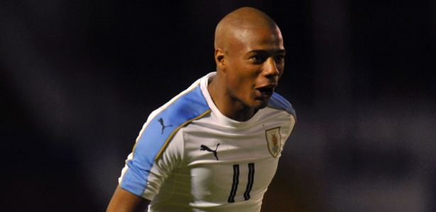 Nicolás de la Cruz em ação pelo Uruguai no Sul-americano sub-20