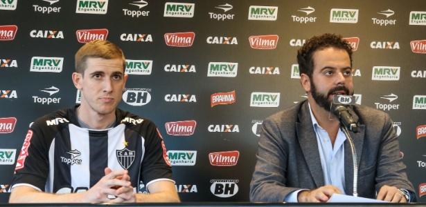 Adílson foi apresentado como novo reforço do Atlético-MG