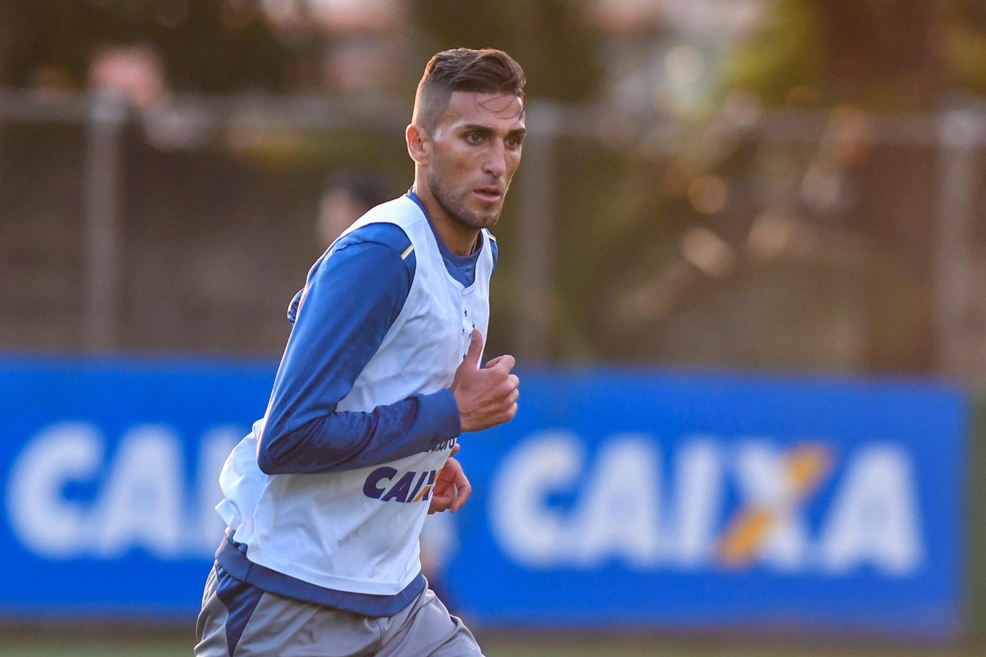 ccbe6815eb Rafael Marques sofre lesão e pode deixar Cruzeiro após recuperação -  12 11 2017 - UOL Esporte