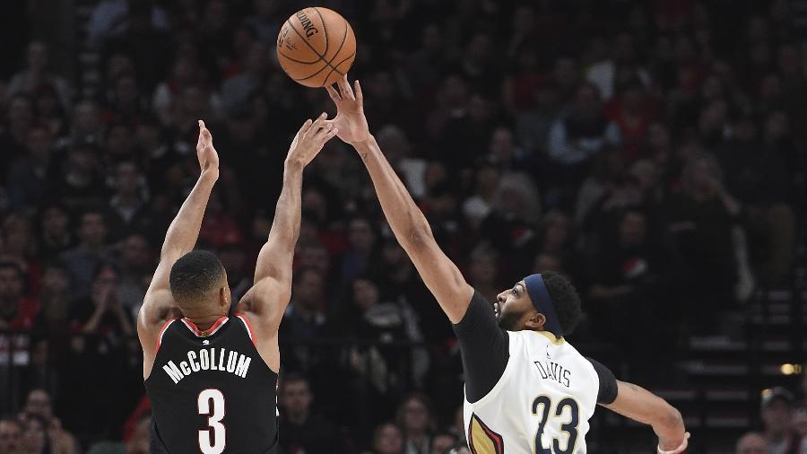 Anthony Davis, do New Orleans Pelicans, durante jogo contra o Portland Trail Blazers - Steve DYKES/AFP
