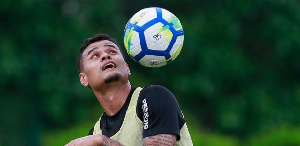 Everton não defenderá o São Paulo no jogo contra o Internacional, neste domingo, em Porto Alegre