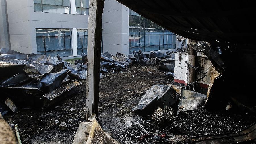 Incêndio no Ninho do Urubu: alojamento onde atletas da base estavam ficou destruído pelo fogo - Folhapress