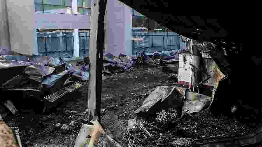 Alojamento incendiado na sede do centro de treinamento do Flamengo - Folhapress