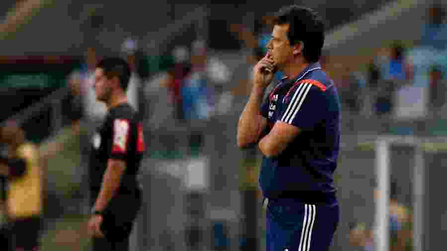 Fernando Diniz conversa com a diretoria do São Paulo sobre o mercado da bola de 2020 - Jeferson Guareze/AGIF
