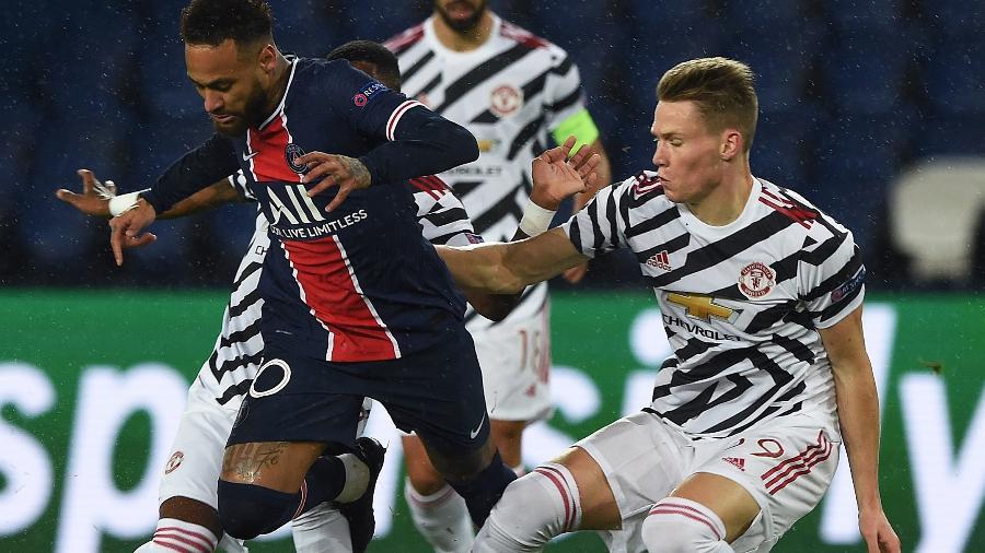 Neymar durante a partida entre PSG e Manchester United, na estreia da Liga dos Campeões - UEFA via Getty Images