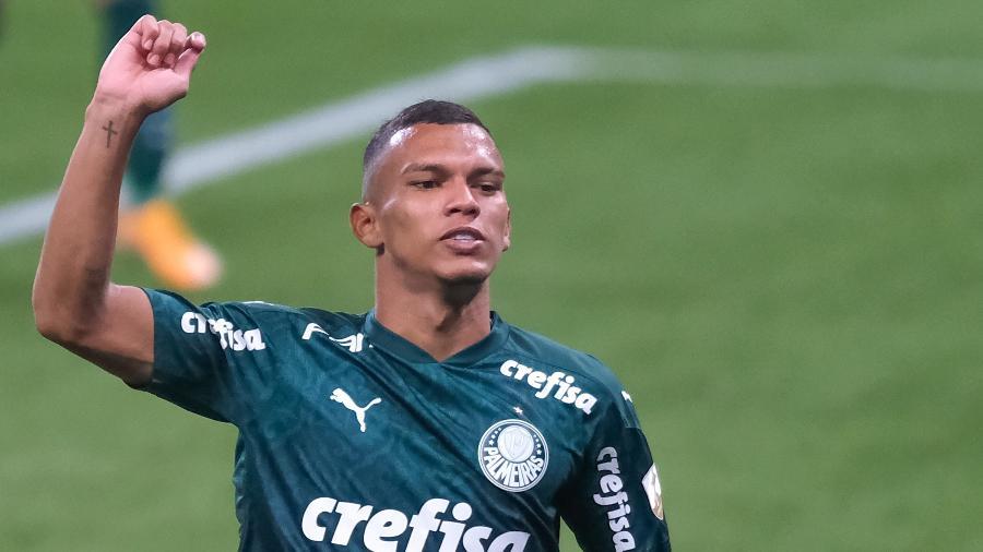 Gabriel Veron comemora gol pelo Palmeiras em jogo da Libertadores 2020 - Marcello Zambrana/AGIF