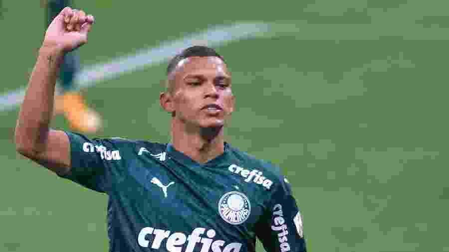 Gabriel Veron comemora gol pelo Palmeiras contra o Delfin, em jogo da Libertadores 2020 - Marcello Zambrana/AGIF