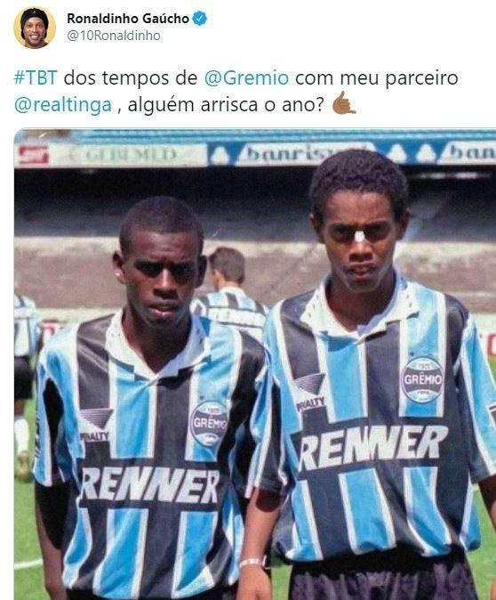 Ronaldinho Gaúcho e Tinga em jogo da base do Grêmio, em 1995