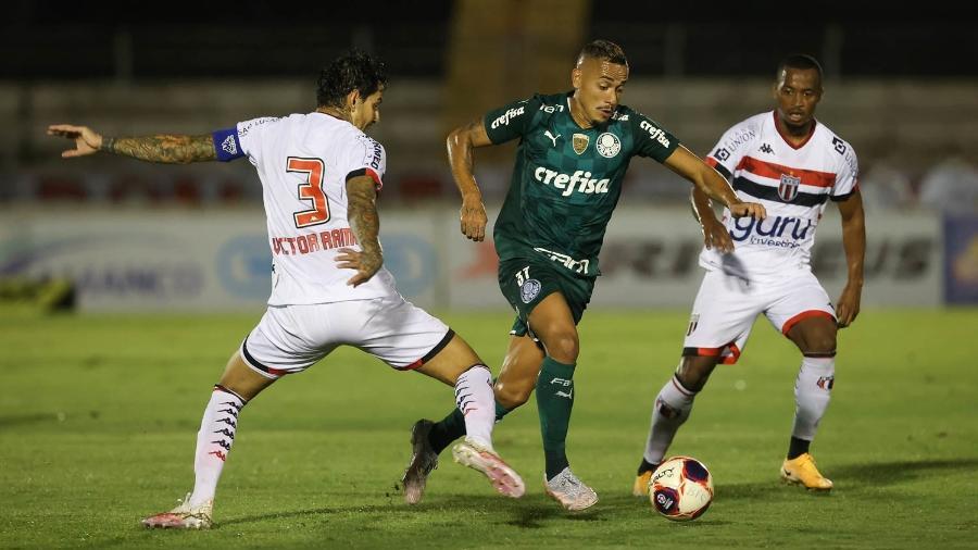 Palmeiras e Botafogo-SP pelo Campeonato Paulista - Cesar Greco