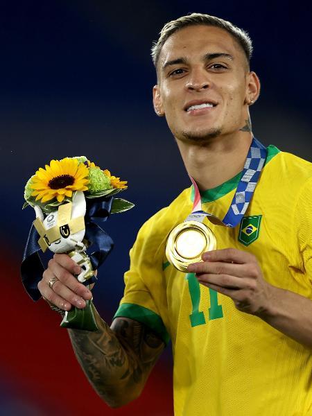 Antony com a medalha de ouro das Olimpíadas de Tóquio - Francois Nel/Getty Images